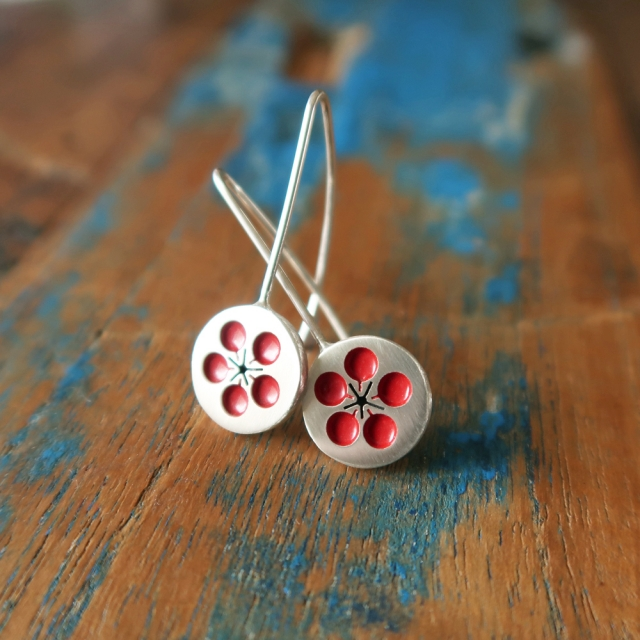 Small Red Plum Blossom Hooks