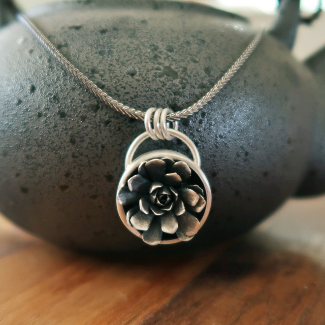 Pot Plant Pendant with SIngle Succulent
